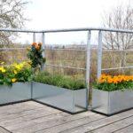 Balkong Trädgård med odlingslådor