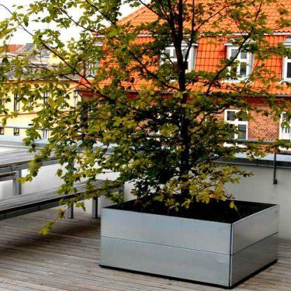 Land Classic kvadratiska odlingslådor på takterrassen staplat