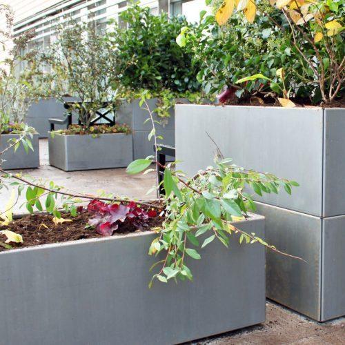 Avlånga planteringskärl individuellt och staplat