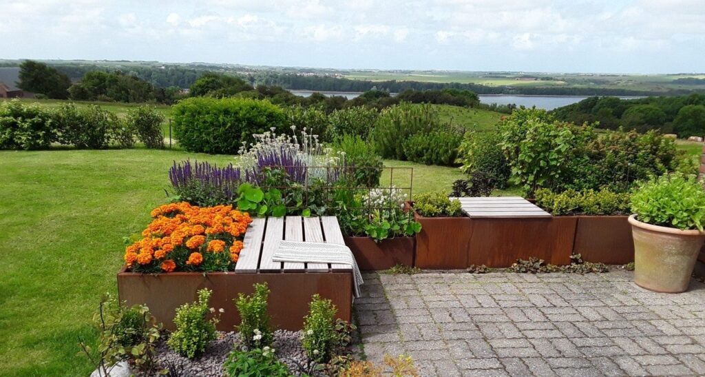 land Moderna planterings utsikt bänk