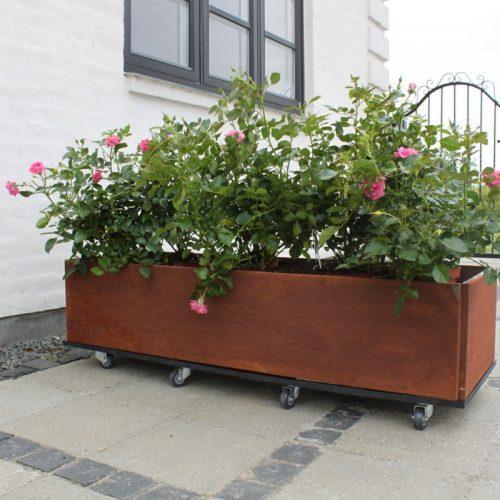 Planteringslåda med hjul rost från Land Garden